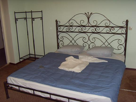 Купить металлическую кровать на заказ