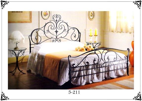 Кованые кровати в Москве