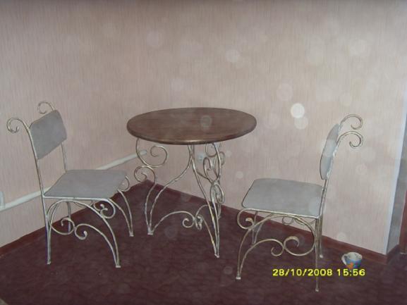 Ковка столов и стульев