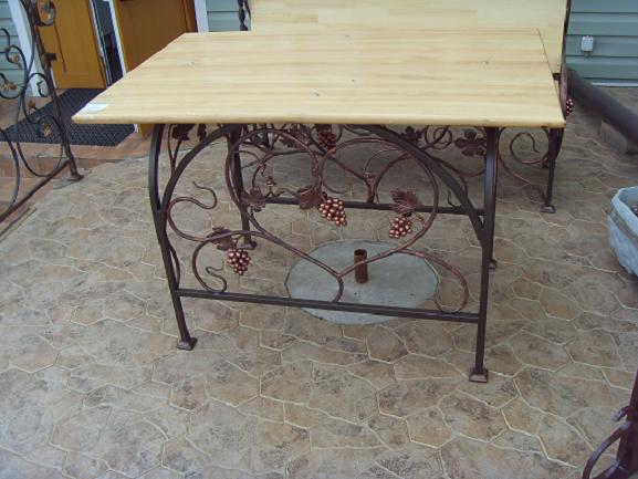 Кованая мебель для кухни