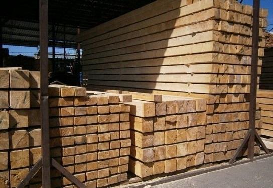 Продажа строительного бруса в Москве недорого